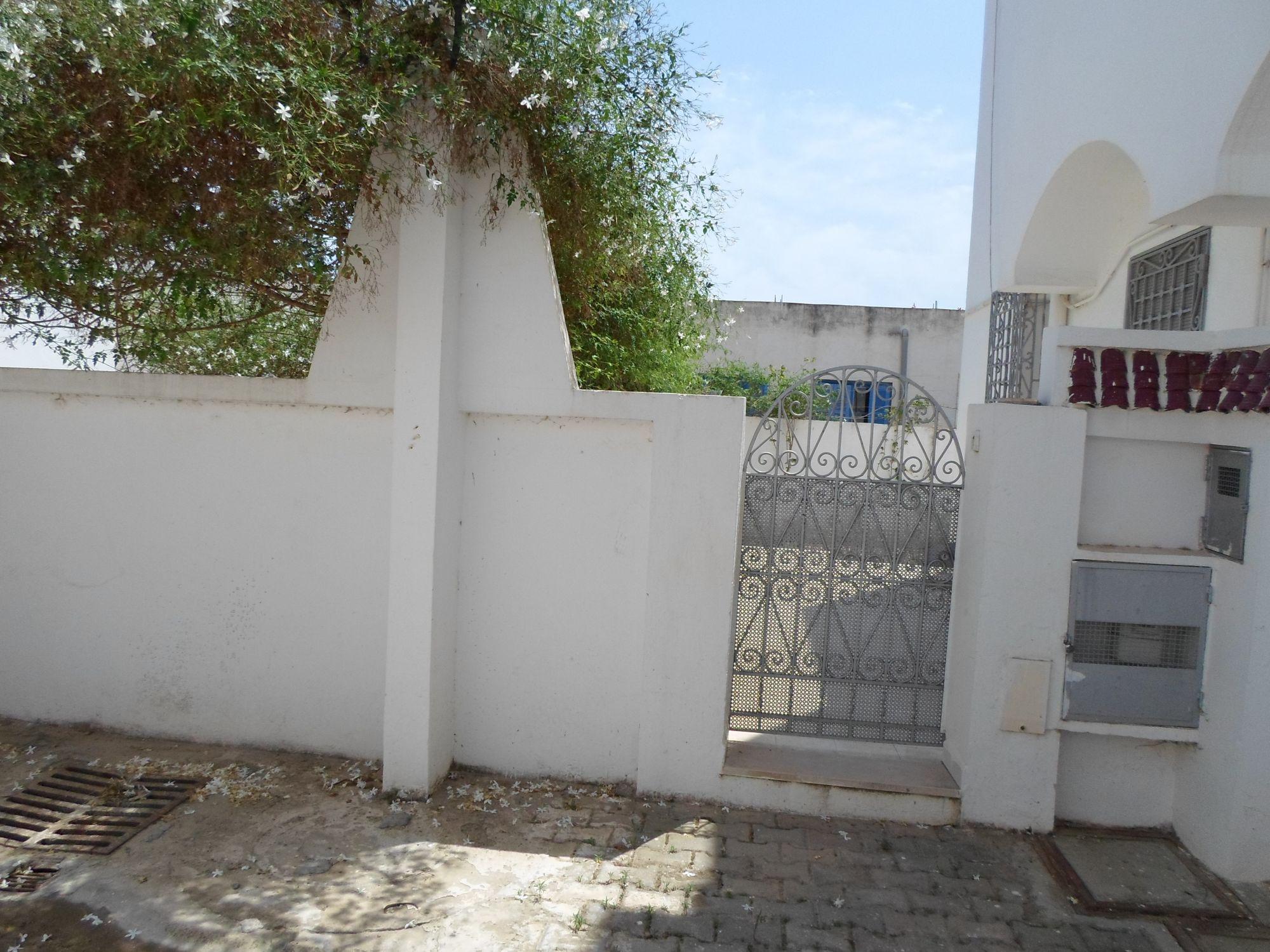 Av un magnifique duplex dans un quartier résidentiel à hammamet