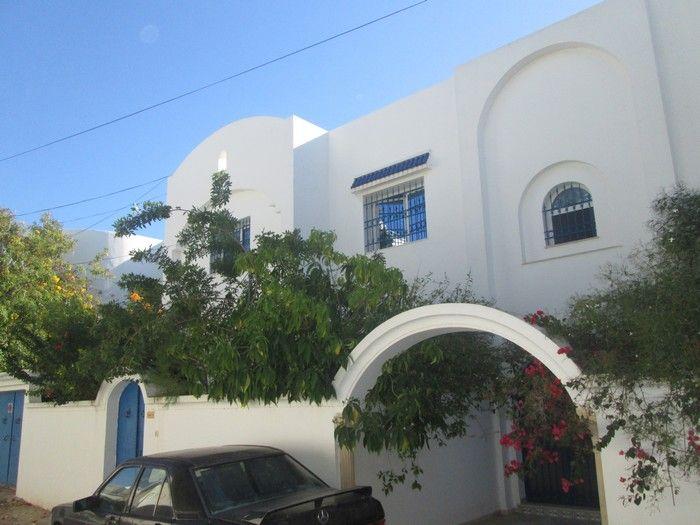 Villa rdc plus étage indépendant à hammamet