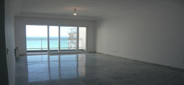 Bel appartement vue mer et piscine