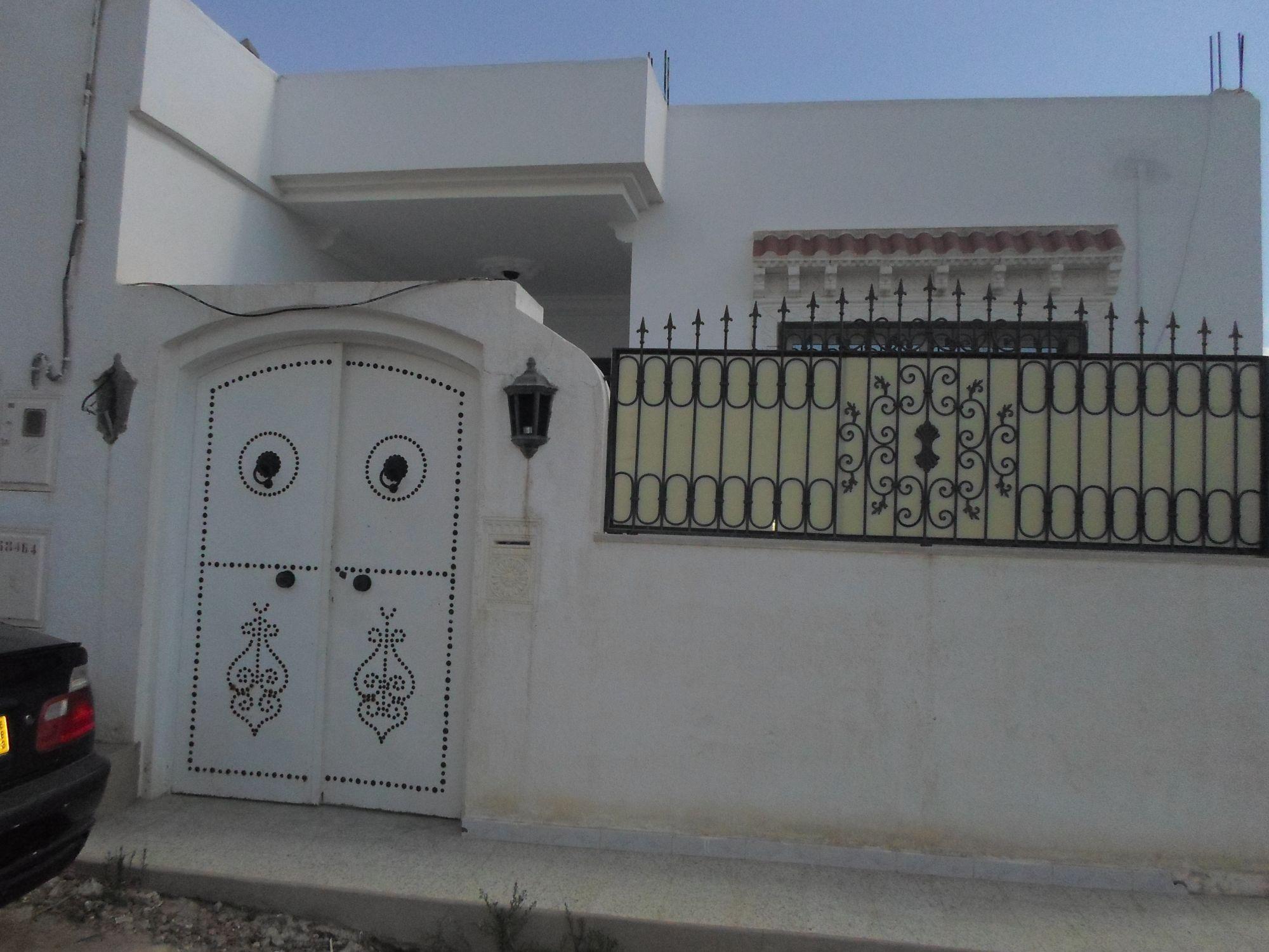 Av tr s belle maison enface la jin ne de hammamet vente for Plan de maison moderne style americain