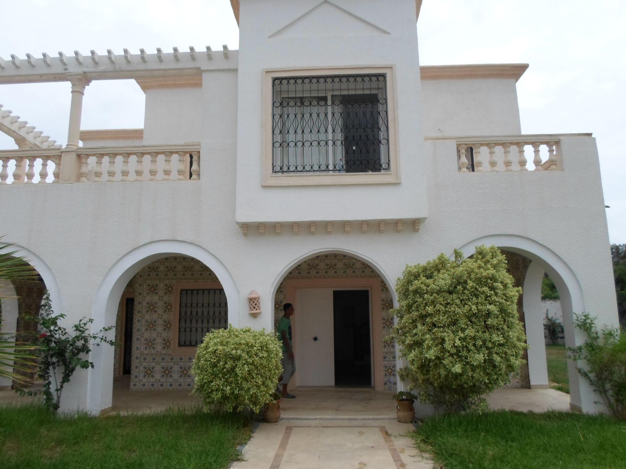 Al belle villa proche des h tels de yasmine hammamet for Des belles villas
