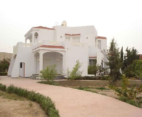 Location villa meubl e sfax tunisie location maison for Architecture maison tunisie