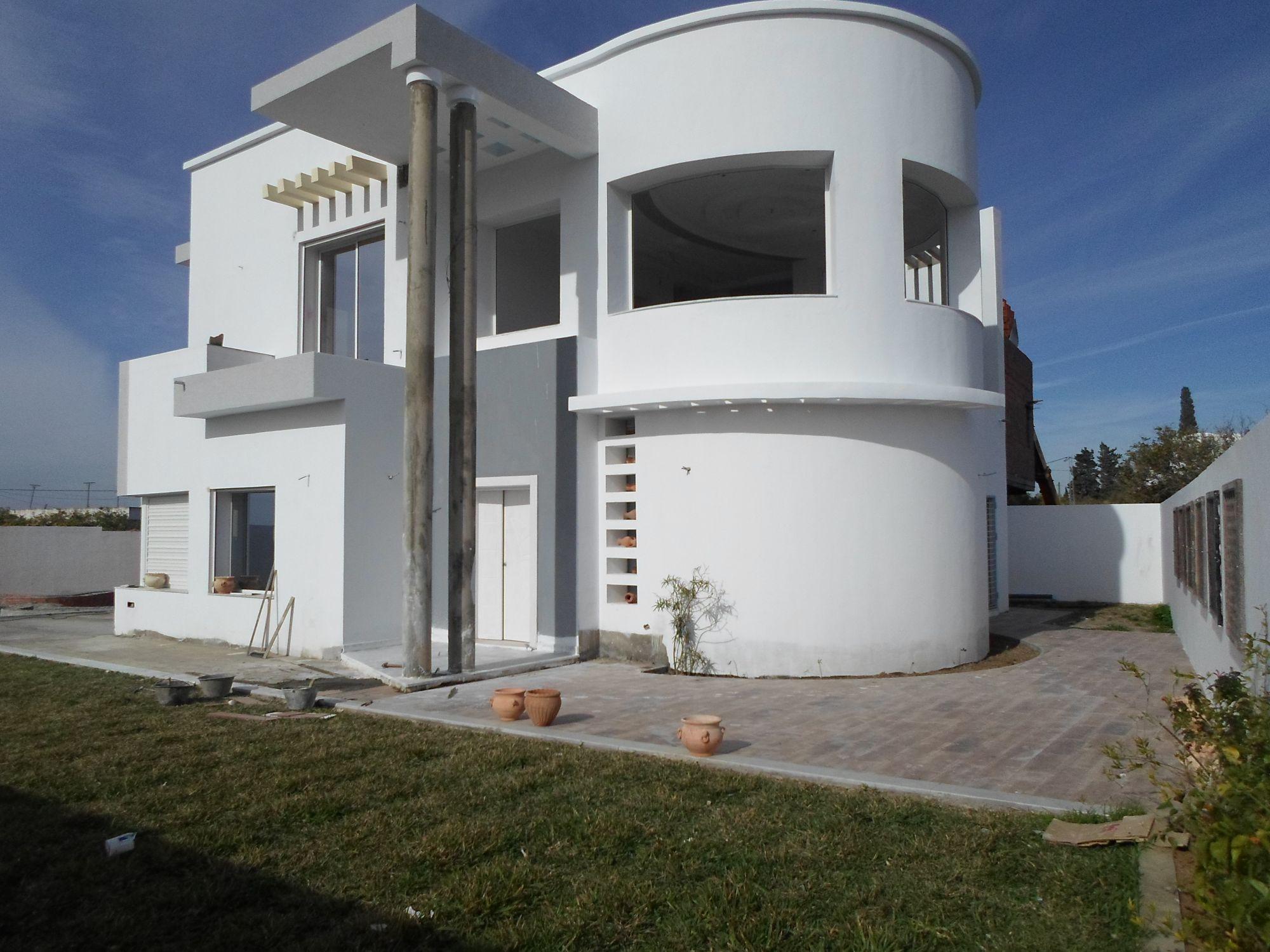 Grande villa moderne ac piscine et jardin a hammamet nord for Model de villa moderne