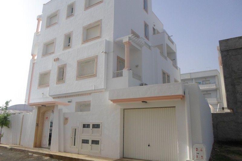 Duplex plus deux appartements à nabeul