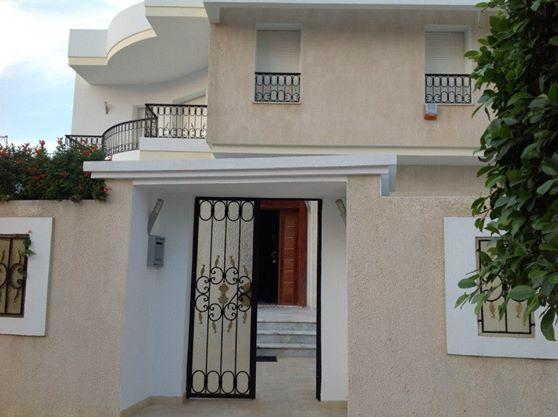 Villa avec piscine s+5 : jardins de carthage - location ...