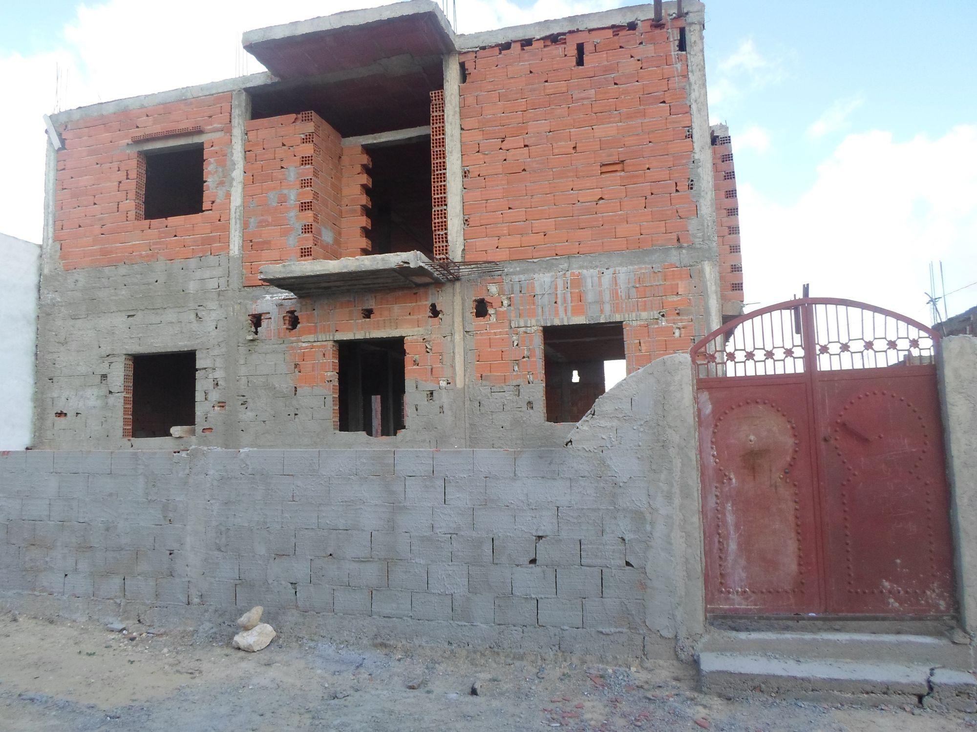 Av maison et trois garage sidi hamm d vente maison for Cherche maison