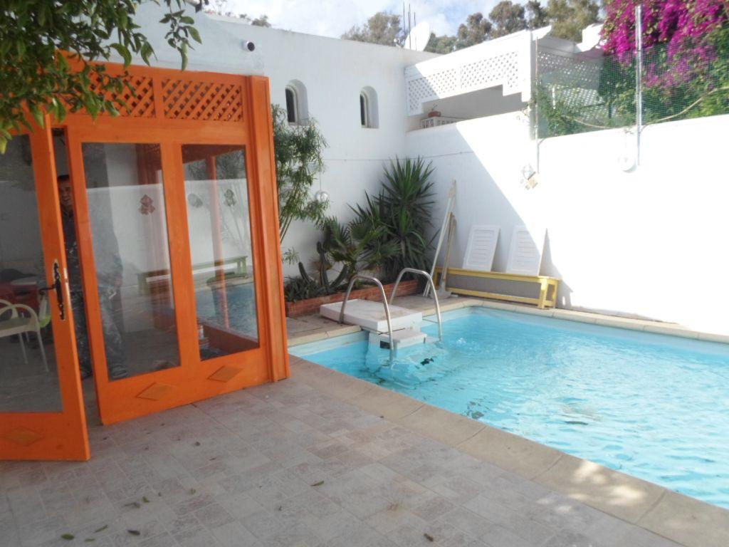 Al jolie coquette villa avec piscine et jardin hammamet for Villa avec jardin tunisie
