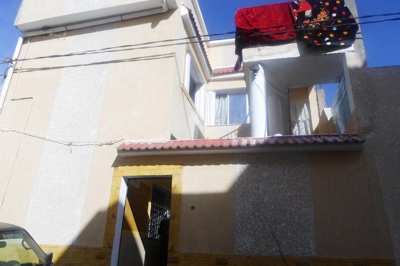 Deux maisons superpos�es p�riph�rie de hammamet