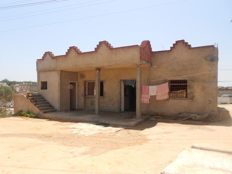 Maison sur un terrain d prix bas 150md vente maison for Maison bas prix