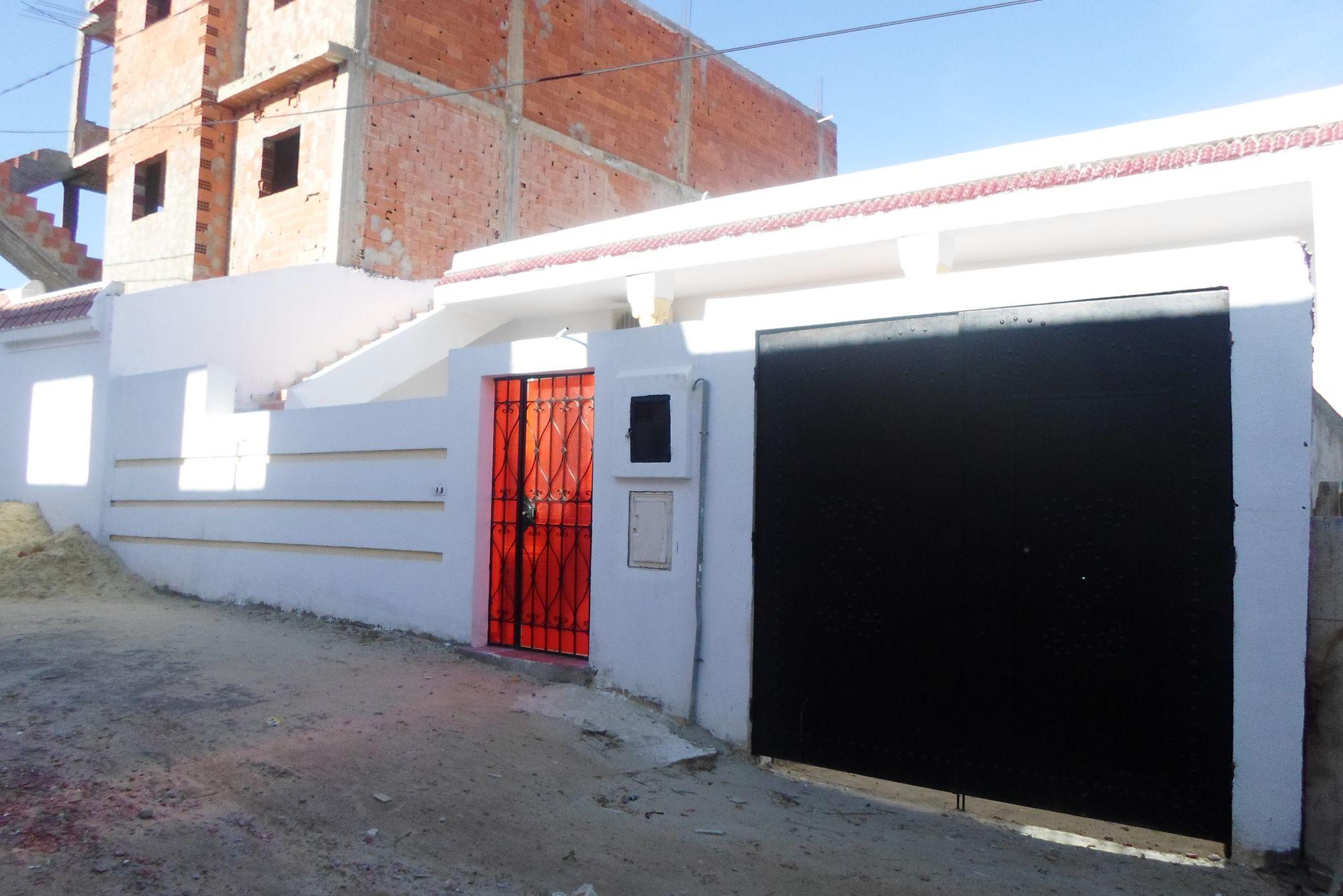 Belle maison avec garage et sous sol prix bas vente for Prix sous sol maison