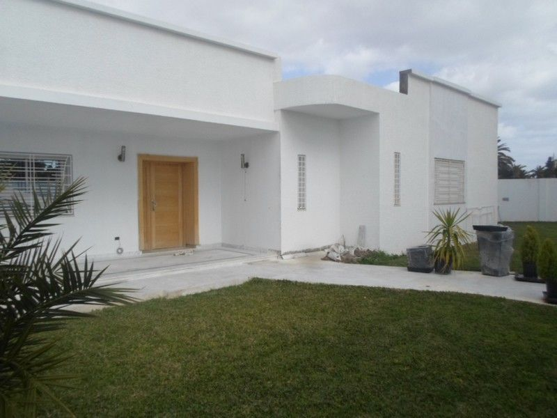 Avdre une villa neuve avec jardin à nabeul