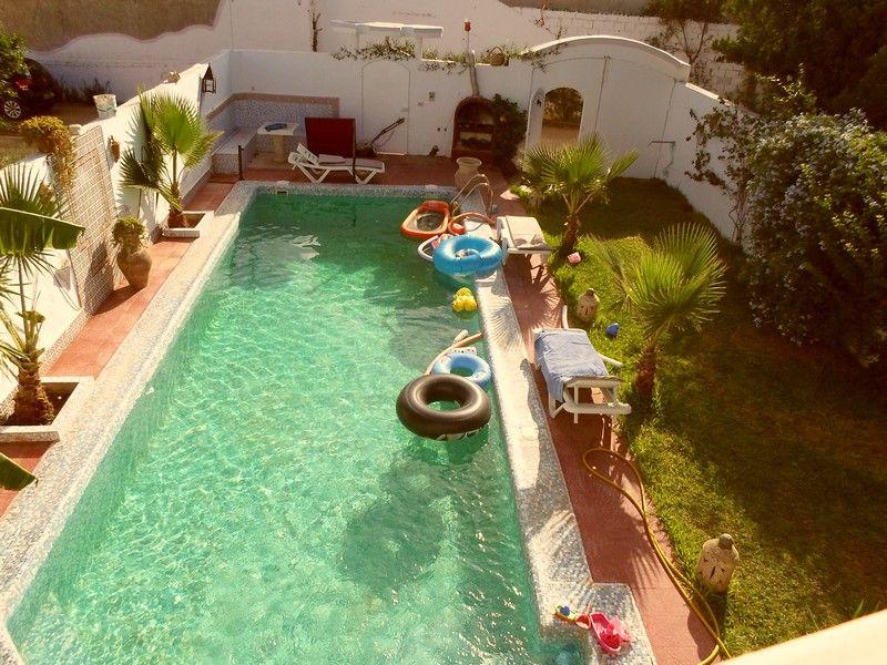 A vendre villa sur deux niveaux avec piscine à hammamet