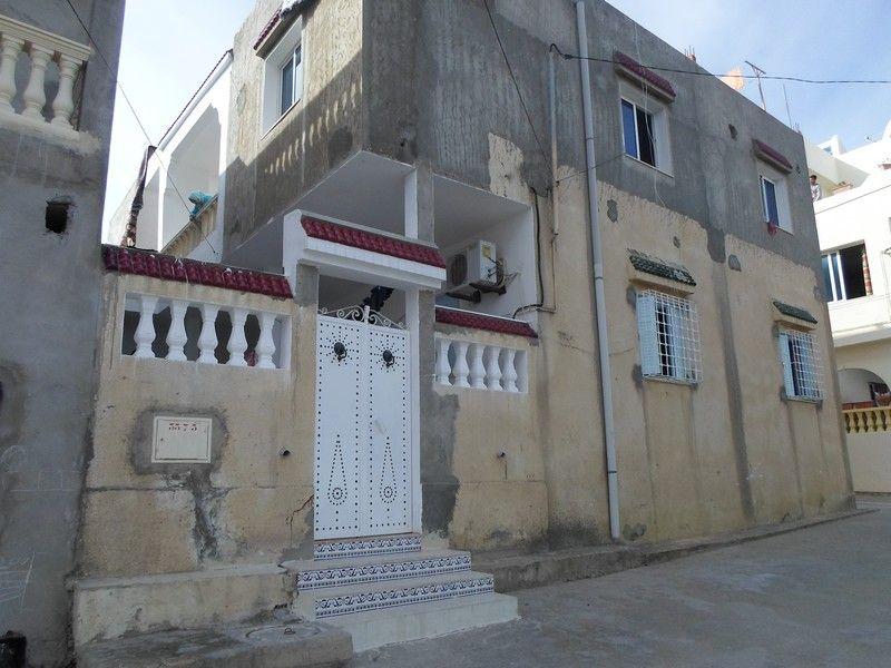 A vendre maison sur deux étages à hammamet nord