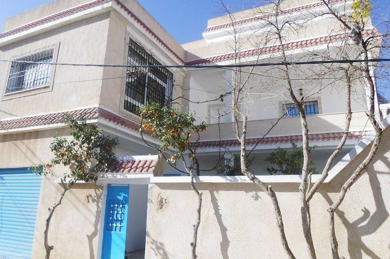 Av maison sur trois niveaux à hamammet