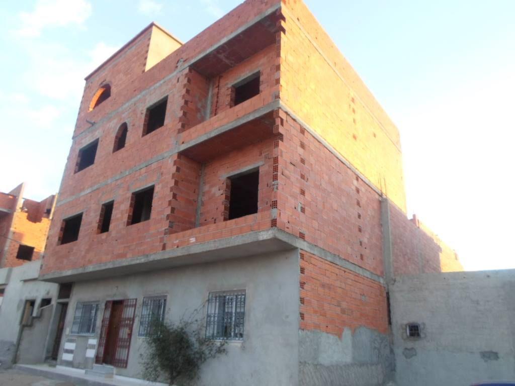 Maison rc fini 3 étages inachevée a vendre