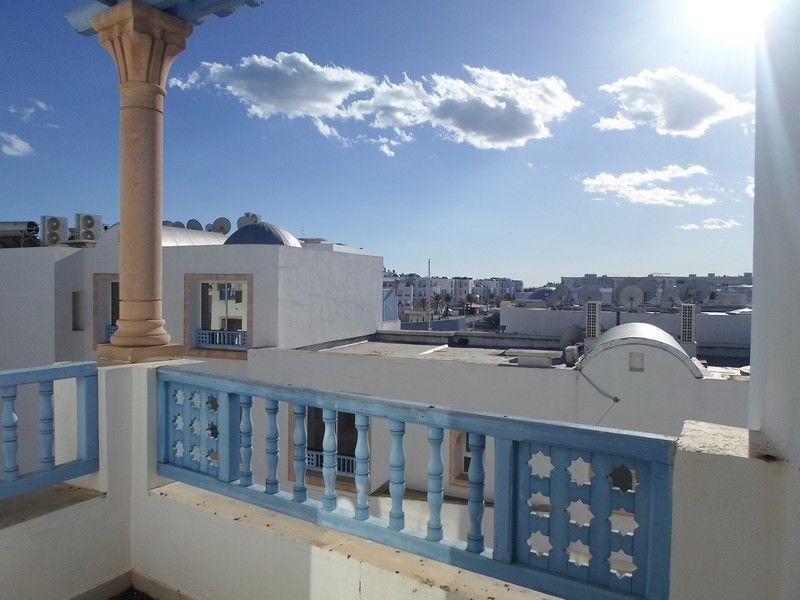 Av appartement dans une résidence avec piscine à marina yasmine h
