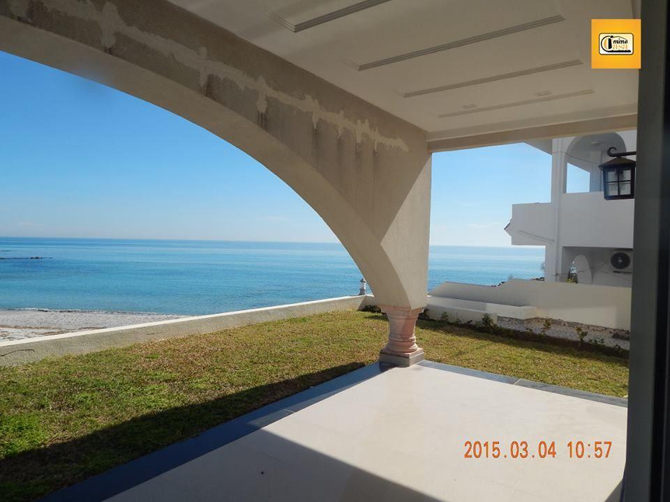 Luxueuse villa pieds dans l'eau plage el fatha à kélibia