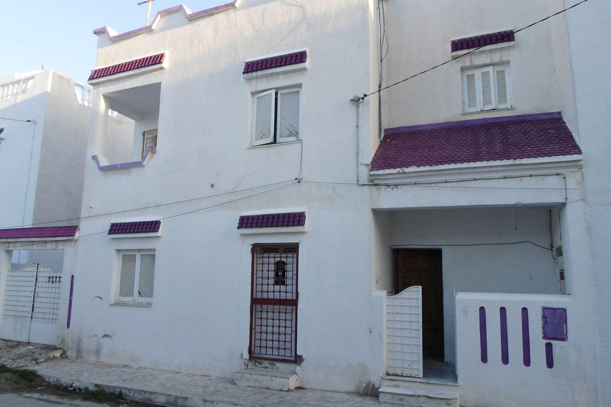 Maison sur 2 étages avec studio a vendre proche yassmine hammamet