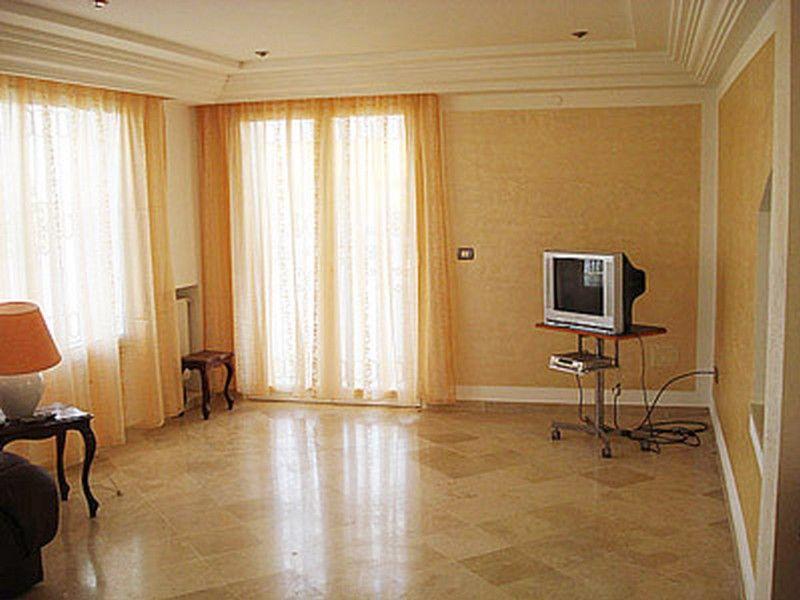 Avdre villa sur trois niveaux à hammamet nord