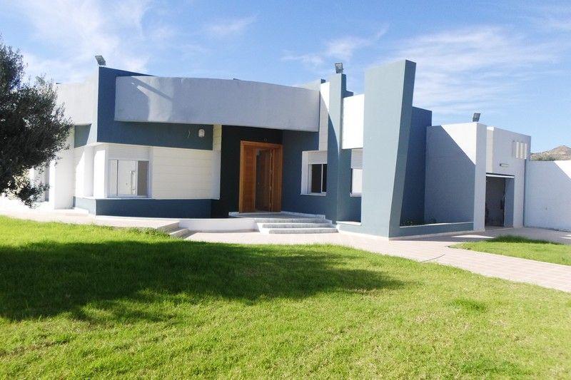 Une spacieuse villa sur terrain de 1200m vente villa for Casa moderna tunisie