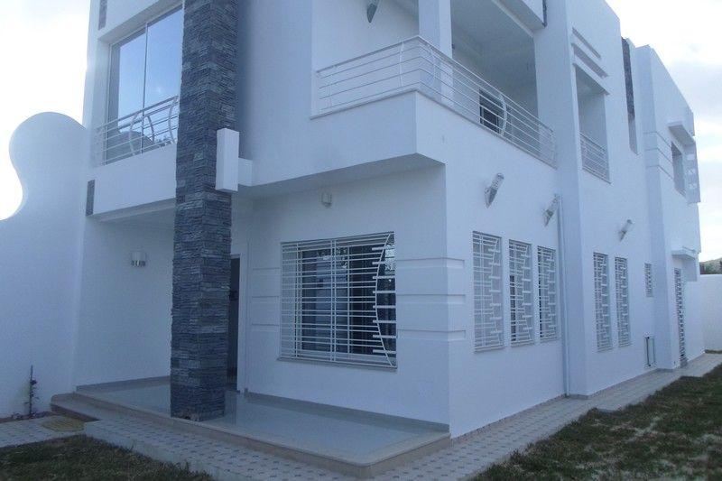 Villa sur deux niveaux proche de la mer kt