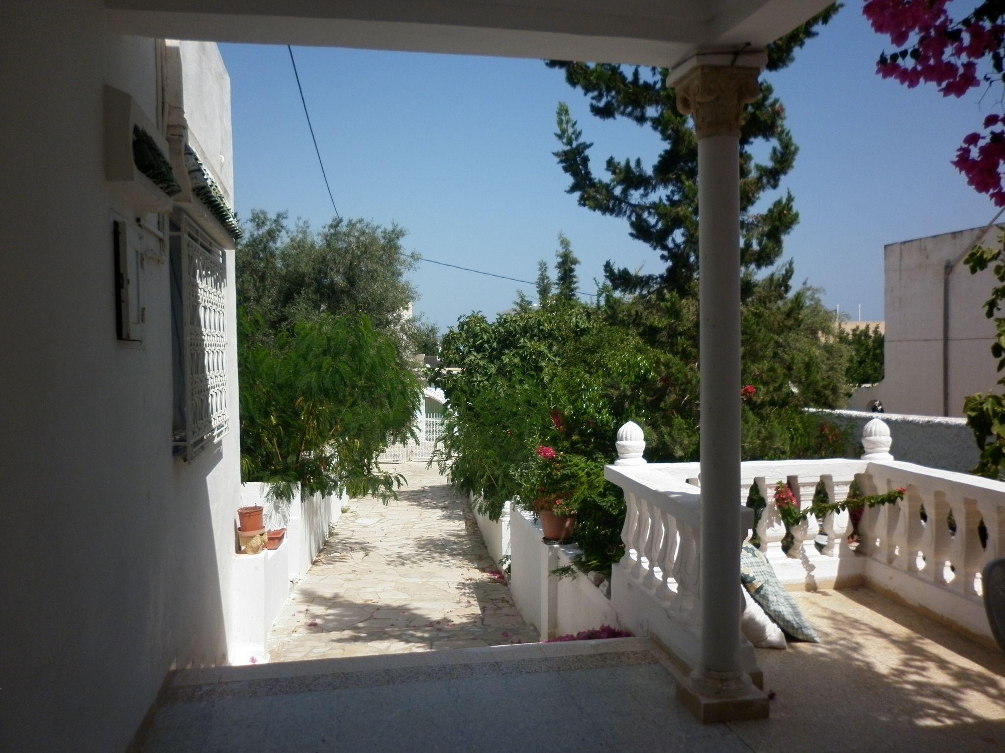 Villa ramsis avec grand jardin à hammamet