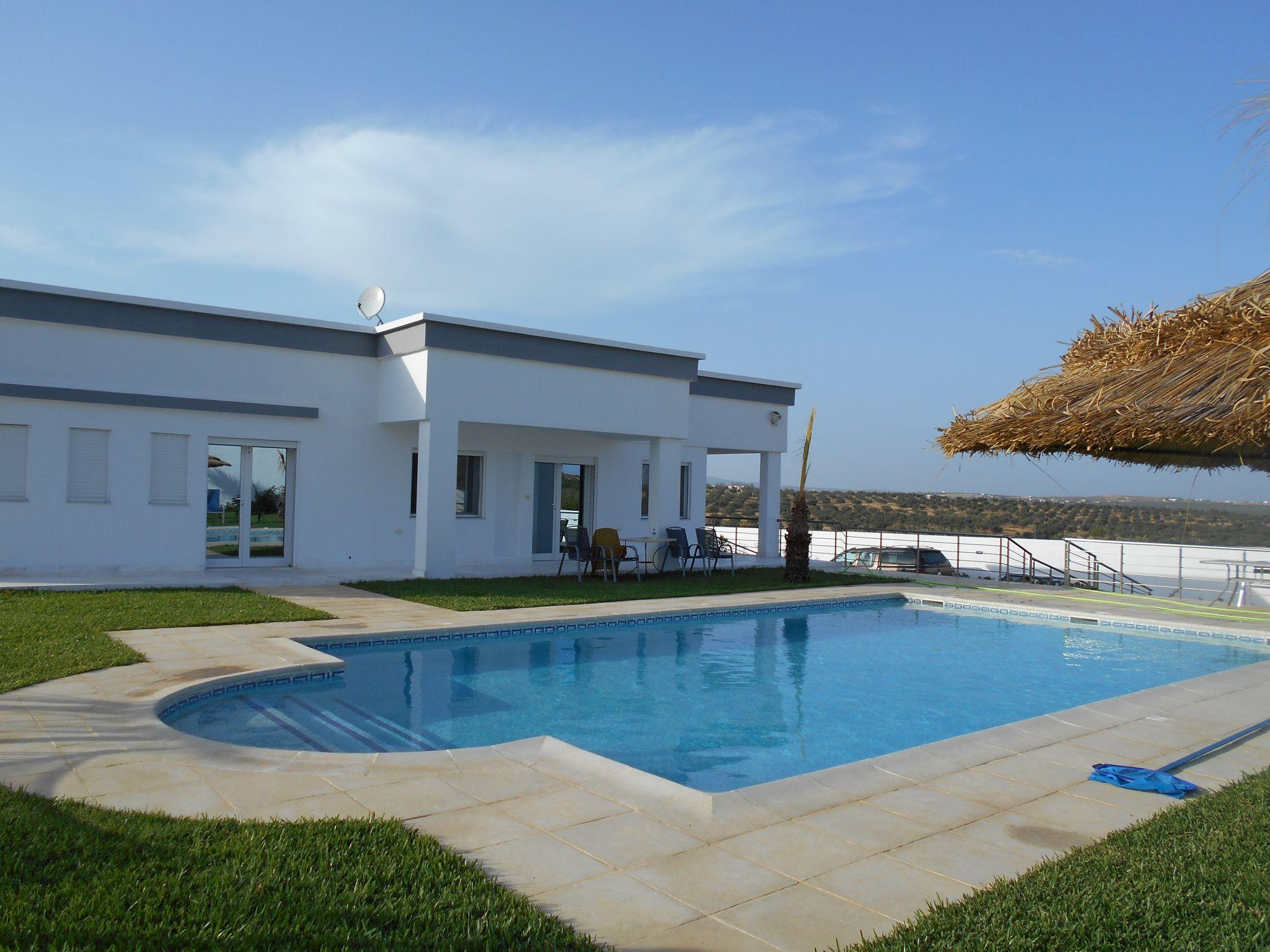 Magnifique villa avec terrain de 3000m kt