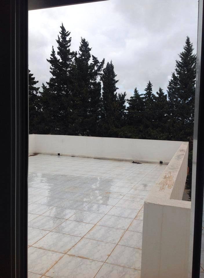 étage de villa avec terrasse à cité les pins