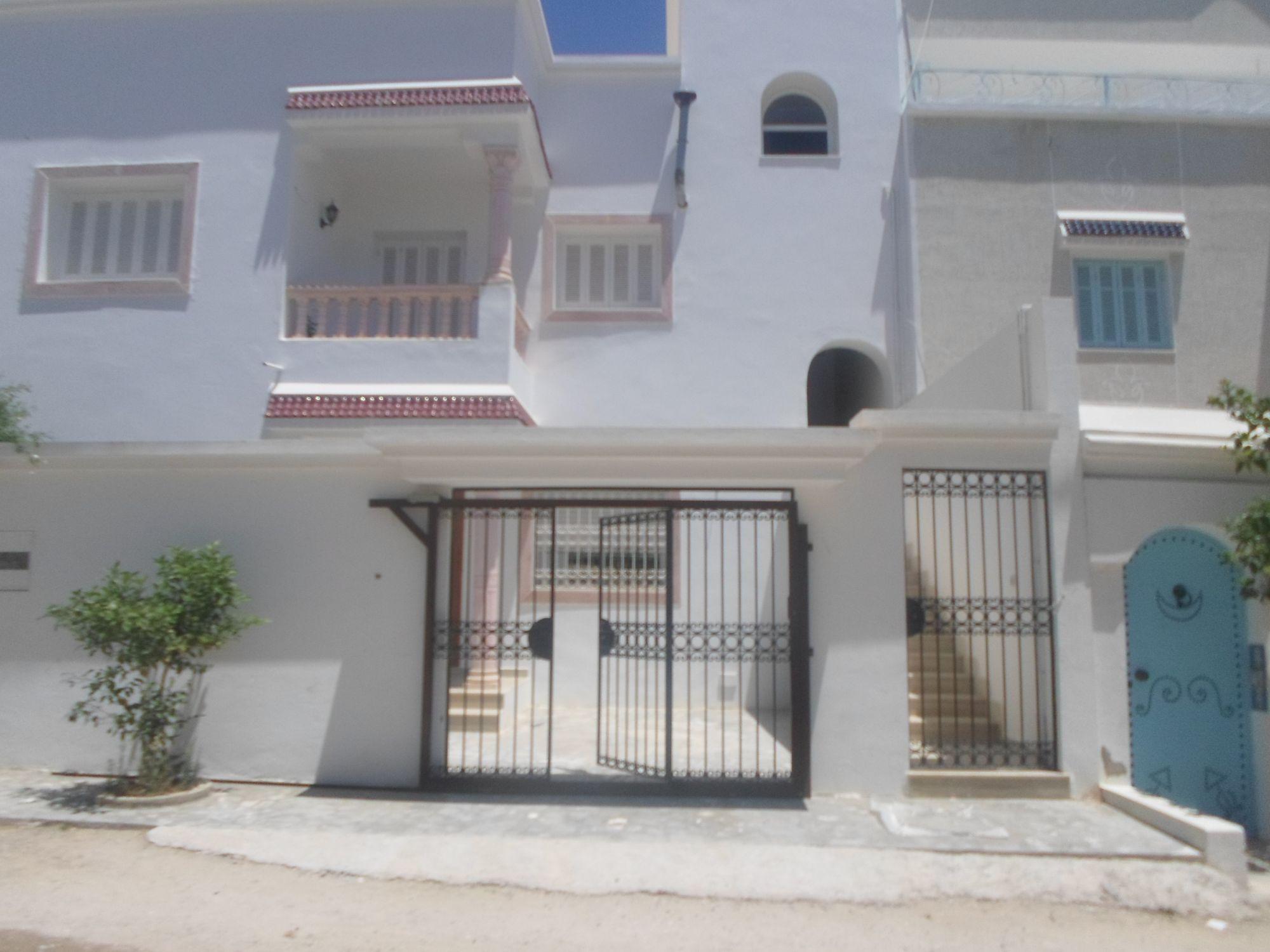 Villa avec 2 appartements à hammamet nord kt