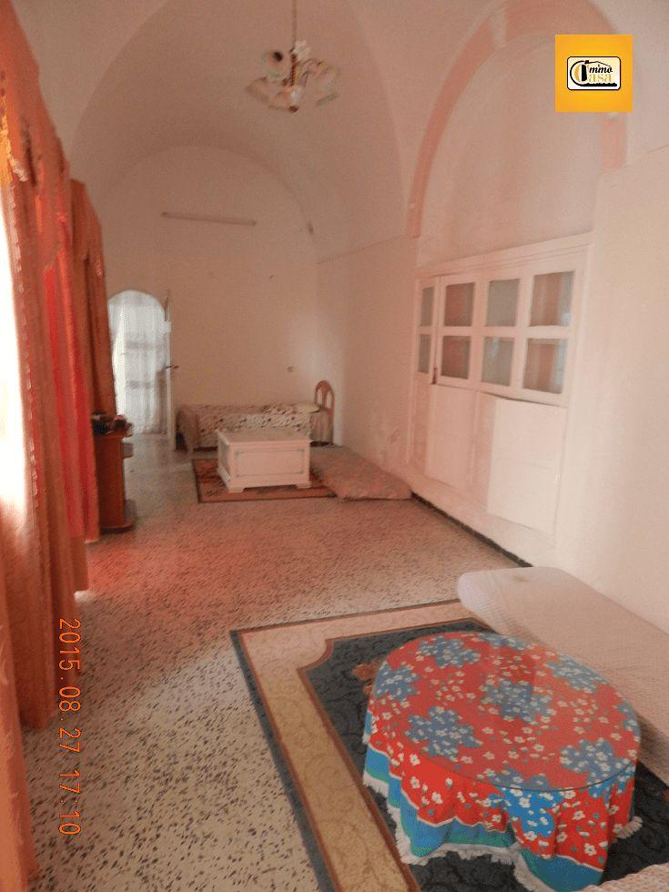 Location annuelle : spacieuse maison arabe