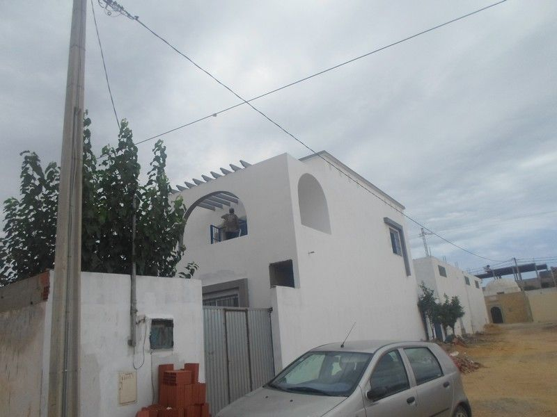 Une villa neuve située à 4 km de hammamet centre waaa