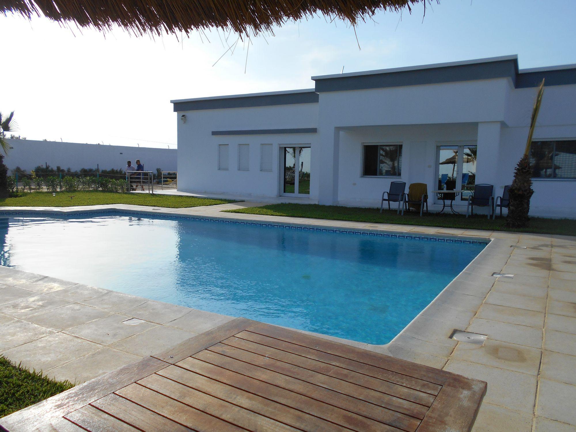Superbe villa avec piscine dans la campagne kkk