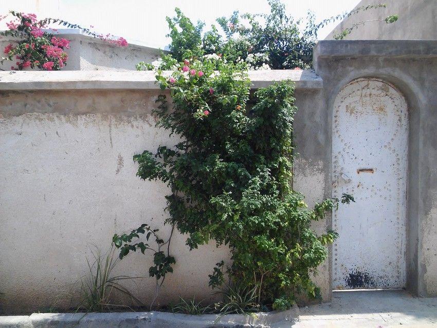 Une belle maison inachevée trés proche de hammamet