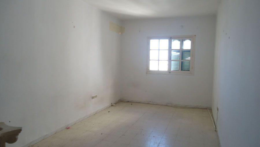 un rez de chauss de 90 sahloul vente maison sahloul. Black Bedroom Furniture Sets. Home Design Ideas