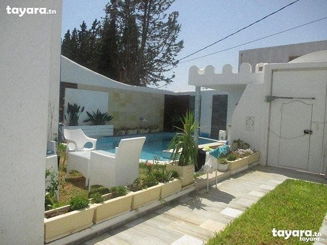 A vendre belle villa avec piscine style sidi bou said - Location villa hammamet avec piscine ...