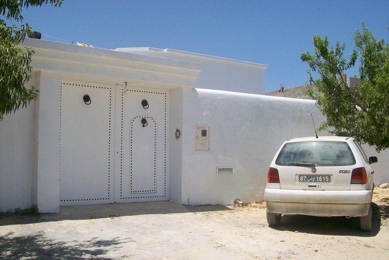 A vendre une villa r cent vente villa hammamet for Architecture tunisienne maison