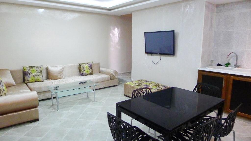 s 2 meubl la zone touristique location vacances appartement djerba. Black Bedroom Furniture Sets. Home Design Ideas