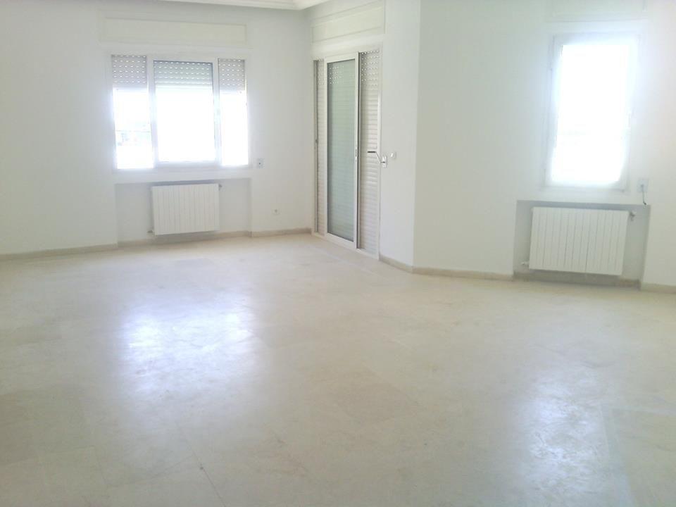 Bon emplacement pour habitation ou bureaux location appartement