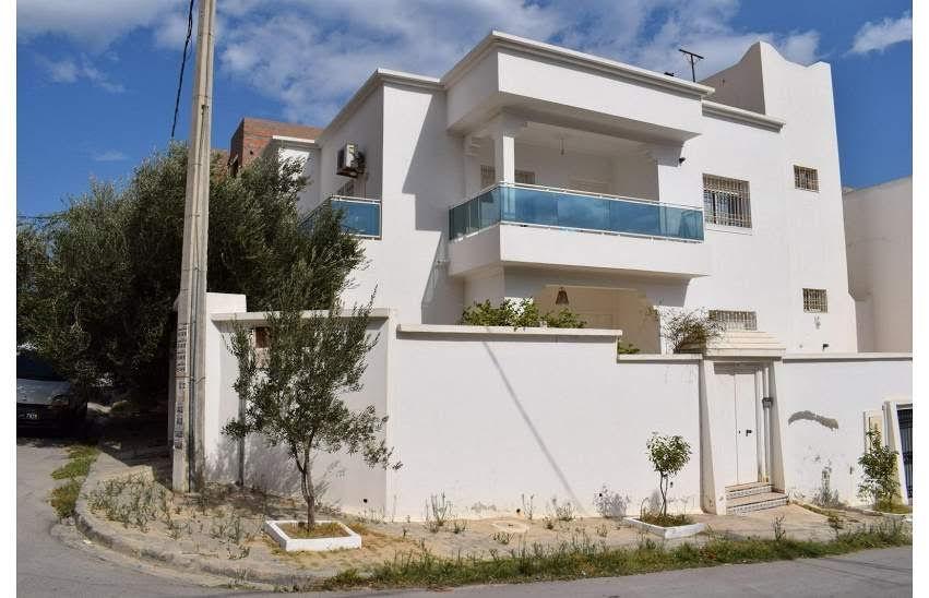 Belle villa sur 2 niveaux à hammamet centre
