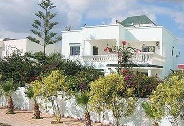 Villa haut standing 100 m de la mer korba tunisie for Maison de senteur tunisie adresse