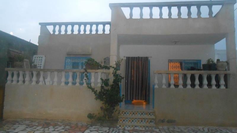 Une maison sur route de craxi au centre ville hammamet