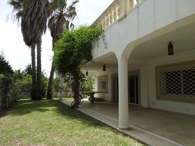 Villa queenréference