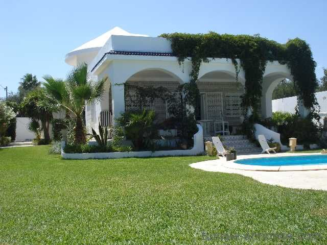 Villa avec piscine et grand jardin gazonn location - Location villa hammamet avec piscine ...