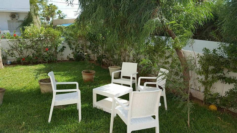 Maison meublée avec terrasse et petit jardin - location ...
