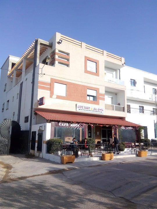 Av propriete cafe +5appartement