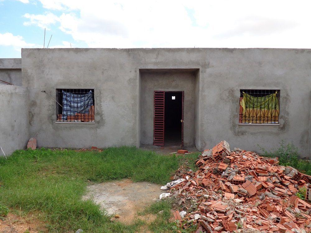 Maison inachevée bâtie sur 110 m² a besbassiya gh